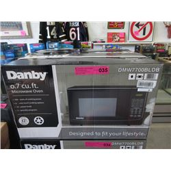 New Danby 0.7 Cubic Foot Microwave - 700 Watts