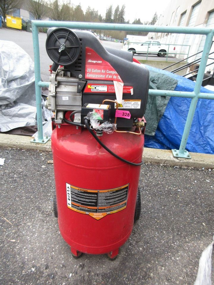 Snap-On 20 Gallon Air Compressor