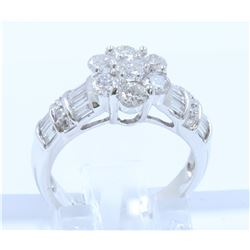 18K WHITE GOLD DIAMOND RING:5.55 GRAMS/DIAMOND:1.36CT