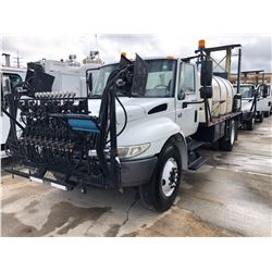 2004 INTERNATIONAL 4400 SPRAYER TRUCK; VIN/SN:1HTMKAAR04H612417 - S/A, 230 HP INT. DIESEL, ALLISON A