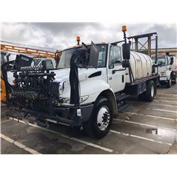 2003 INTERNATIONAL 4400 SPRAYER TRUCK; VIN/SN:1HTMKAAR83H573381 - S/A, 230 HP INT. DIESEL, ALLISON A