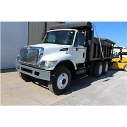 2006 INTERNATIONAL 7400 DUMP TRUCK; VIN/SN:1HTWHAAR26J304927 - T/A, 260 HCI DIESEL ENGINE, ALLISON A