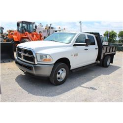 2011 DODGE 3500 FLATBED TRUCK; VIN/SN:3D6WF4CTXBG570425 - CREW CAB, 9' FLATBED BODY W/ TAILGATE, REM