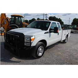 2015 FORD F350 SERVICE TRUCK; VIN/SN:1FD8X3E67FEA64301 - EXT. CAB, V8 GAS, A/T, AC, SERVICE BODY, HO