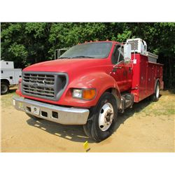 2001 FORD F650 SERVICE TRUCK, VIN/SN:3FDNF65HX1MA23964 - S/A, CAT DIESEL ENGINE, 6 SPEED TRANS, IMT