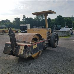 HYSTER C330B ROLLER, -TANDEM METER READING 2,364 HOURS (COUNTY OWNED) (SELLING OFFSITE LOCATED IN MA