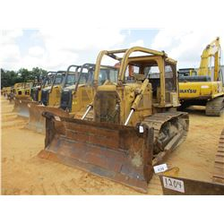 CAT D6D CRAWLER TRACTOR, VIN/SN:4X06049 - STRAIGHT BLADE W/HYD TILT, CANOPY, SWEEPS, SCREENS