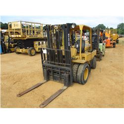 HYSTER FORKLIFT, - 2 STAG, SIDE SHIFT, DIESEL ENGINE
