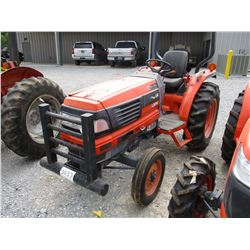 KUBOTA L3010E FARM TRACTOR, VIN/SN:30398 - 3 PTH, PTO, ROLL BAR, 12.4-24 REAR TIRES, METER READING 8