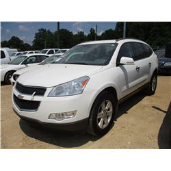 2011 CHEVROLET TRAVERSE VIN/SN:1GNKGED1BJ185652 - GAS ENGINE, A/T, 3RD ROW SEATING, ODOMETER READING