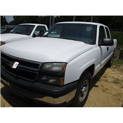 2006 CHEVROLET 1500 PICKUP, VIN/SN:1GCEK19Z26Z264090 - 4X4, EXT CAB, GAS, A/T, ODOMETER READING 168,