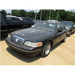 1998 FORD CROWN VICTORIA, VIN/SN:2FAFP74W8WX181748 - GAS ENGINE, A/T, ODOMETER READING 136,803 MILES