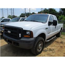 2006 FORD F250 PICKUP, VIN/SN:1FTSX21P16EC55182 - 4X4, EXT CAB, LWB, POWERSTROKE DIESEL, A/T, ODOMET