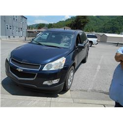 2011 CHEVROLET TRAVERSE VIN/SN:1GNKVFED8BJ146725 - GAS ENGINE, A/T (COUNTY OWNED) (SELLING OFFSITE L