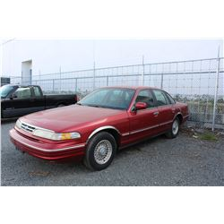 1996 FORD CROWN VICTORIA LX - RED - 4 DOOR - AUTOMATIC - 218,877 KMS - VIN# 2FALP74W8TX184888 - 1