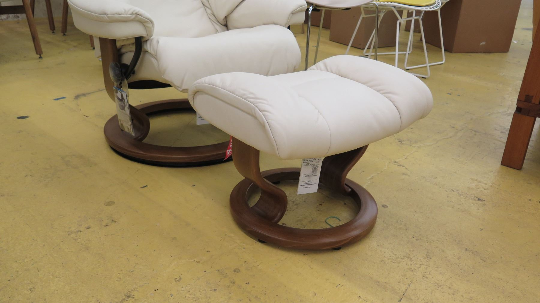 ... Image 5 : Stressless Leather Lounge Chair W/Ottoman   Ekornes (Norway),  ...