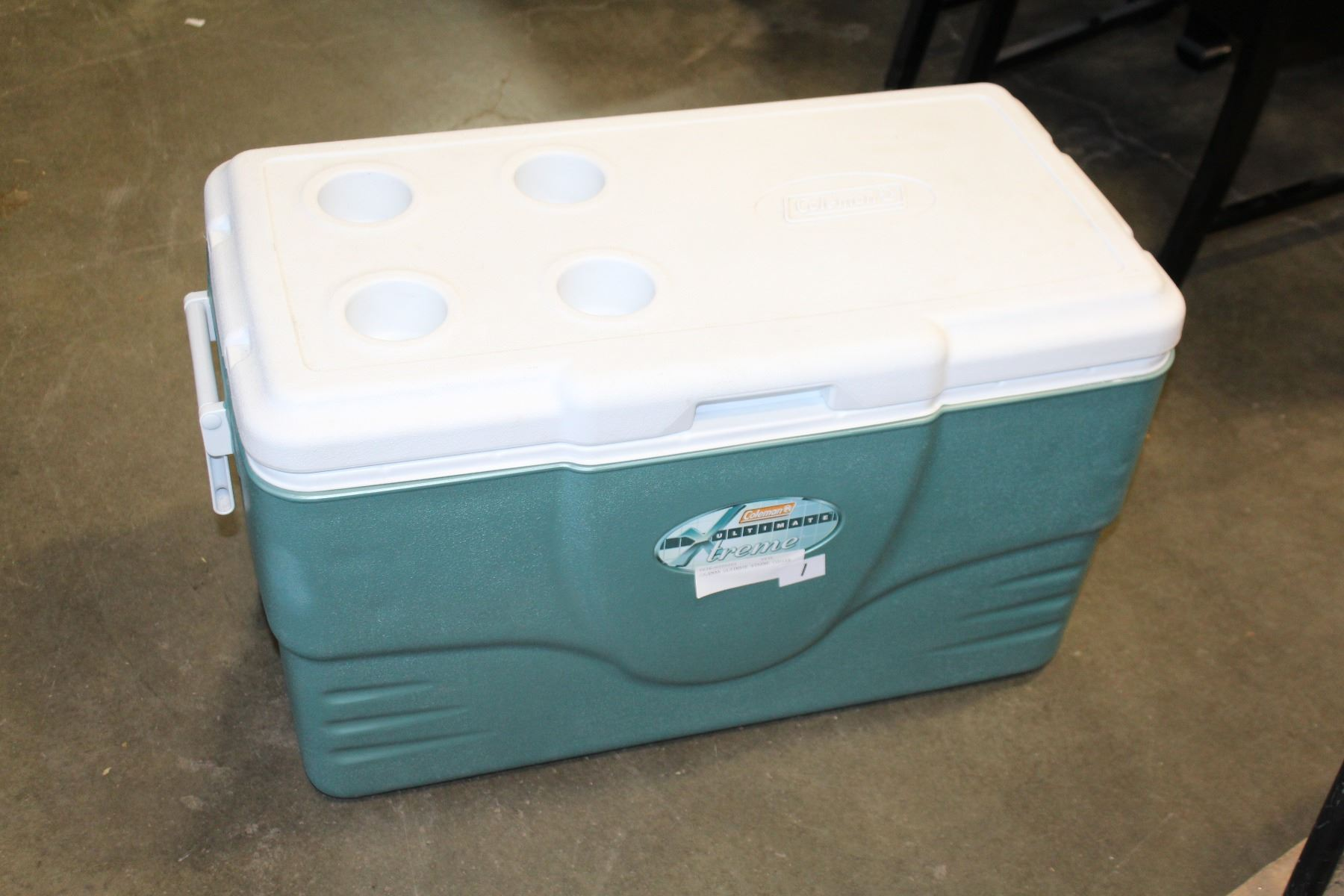 COLEMAN ULTIMATE XTREME COOLER