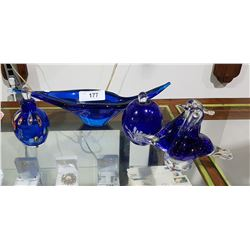 FOUR COBALT BLUE ART GLASS PIECES
