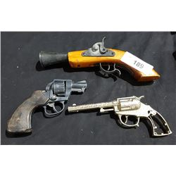 REPLICA BLUNDERBUSS & 2 TOY GUNS
