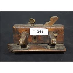 ANTIQUE HAND PLANE