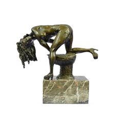 Nude Girl on Toilette Bronze Sculpture on Marble Base Statue
