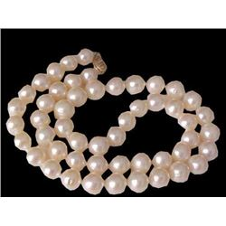 "17"" Round White Freshwater Pearl 14kt Gold Necklace"