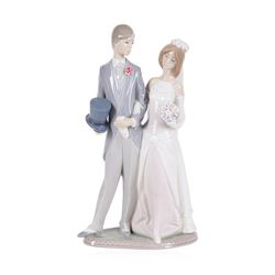 "Beautiful Lladro ""Bride and Groom"" Retired #1404 - 12.5"" Tall"