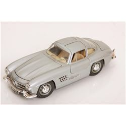 1/24 Scale 1954 MBZ 300 SL by Burago