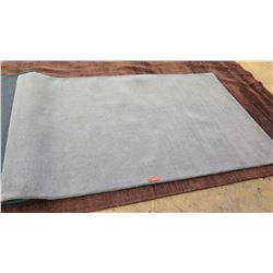 Area Rug: Gray, Surya Mystique, 100% Wool Pile, Gray, 5' x 8', Minor Signs of Wear