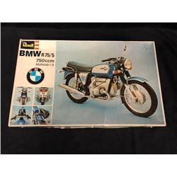 REVELL BMW R 75/5 MODEL KIT IN BOX (1/8 SCALE)