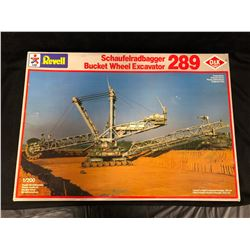 REVELL SCHAUFELRADBAGGER BUCKET WHEEL EXCAVATOR 289 PLASTIC MODEL KIT (1/200 SCALE)