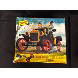 THE LINDBERG LINE 1910 FORD TIN LIZZIE MOTORIZED PLASTIC MODEL CONSTRUCTION KIT