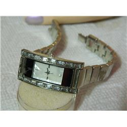 WATCH - LGP - RHINESTONES WITH MOTHER OF PEARL