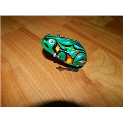 METAL WIND-UP TOY - JUMPING FROG