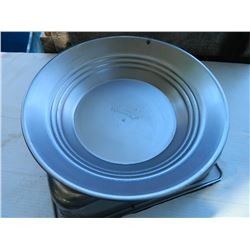 NEW GOLD PAN - ESTWING - METAL - 12""