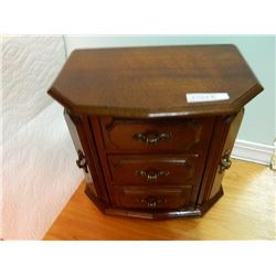 MAHOAGANY JEWELRY BOX - 3 DRAWER - 2 DOOR