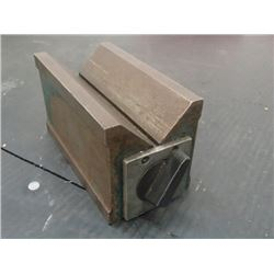 "Magnetic V-Block, Overall: 4.75"" x 2.5"" x 2.75"""