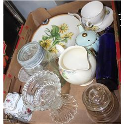 FLAT OF MISC CHINA PIECES AND COLLECTIBLES