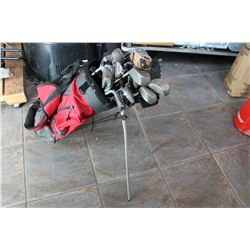 RED GREY GOLF BAG WITH CLUBS