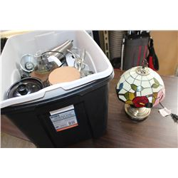 TOTE OF LAMPS VASES AND MINI CROCK POT