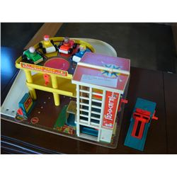 VINTAGE FISHER PRICE PLAYSET WITH CARS
