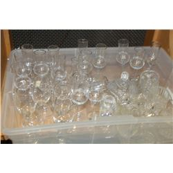 TOTE OF CRYSTAL CREAM AND SUGAR AND STEMWARE