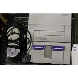 SUPER NES CONSOLE WITH CONTROLLERS
