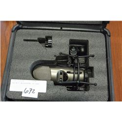 EAD M177 MICROPHONE IN CASE