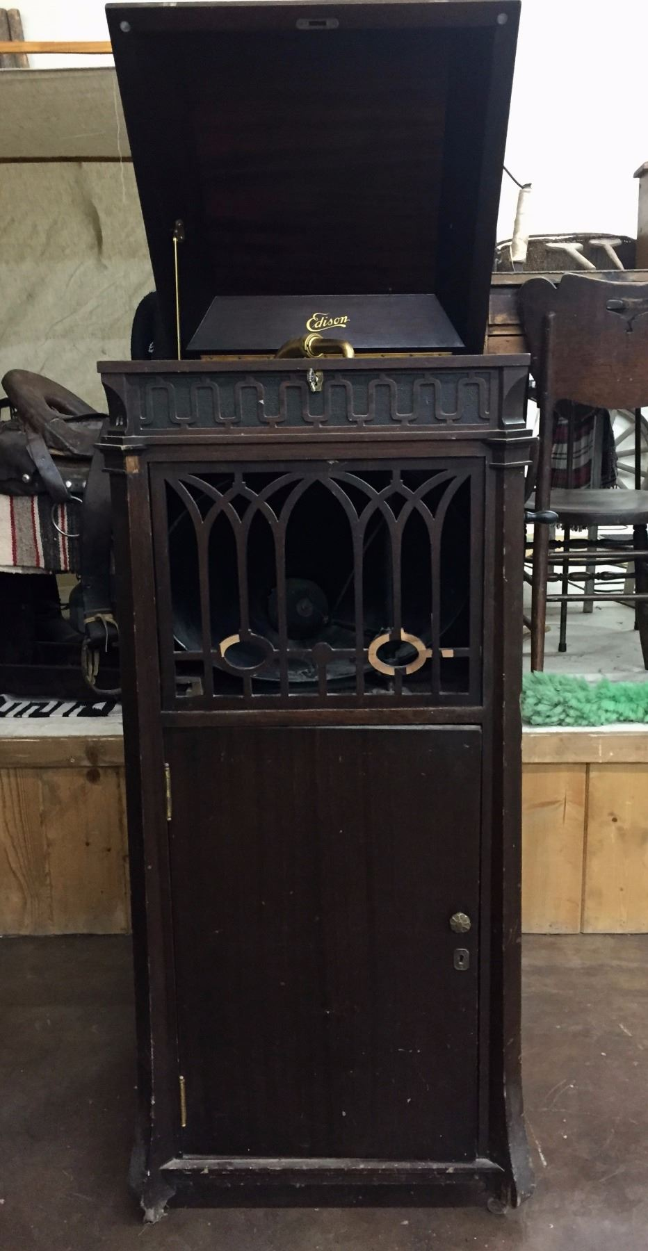 Image 1 : Antique Edison Phonograph   Cabinet ...