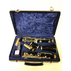 CLARINET W/ CASE (EXCELLENT CONDITION)