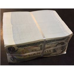 Canada 1973 $1 Banknote Crow-Bouey in Sequence Bundle / Brick (1000 in Sequence)
