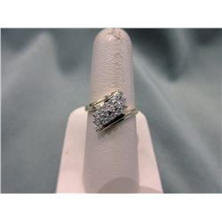 10 KT Yellow Gold Diamond Cluster Ring