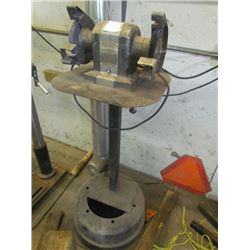Bench grinder on stand (craftsman quarter horse)