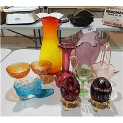 LOT OF COLLECTIBLE COLOURED GLASS